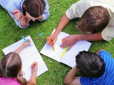 Pintar mandalas, una actividad en familia